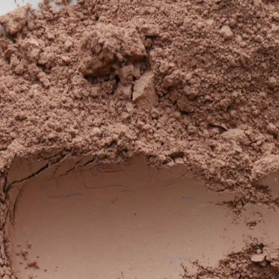 clay brown pigment in powder